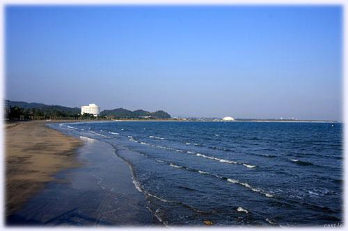 青島から見た砂浜