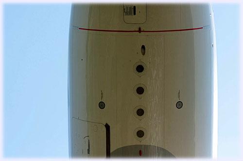 飛行機の腹