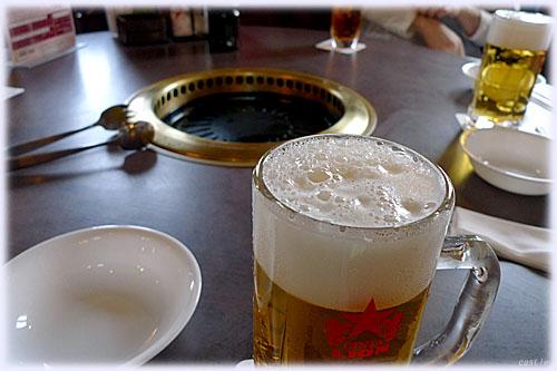 工場で飲む生ビール