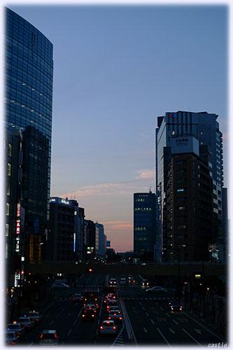夕方の愛宕上杉通り