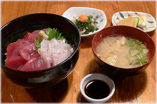 マグロとスズキの海鮮丼