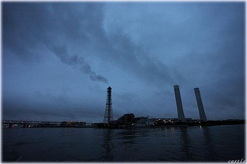海上からの工場見学