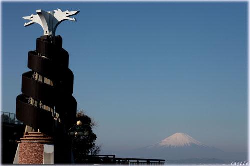 ドラゴンと富士山