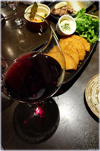 赤ワインとハムカツ