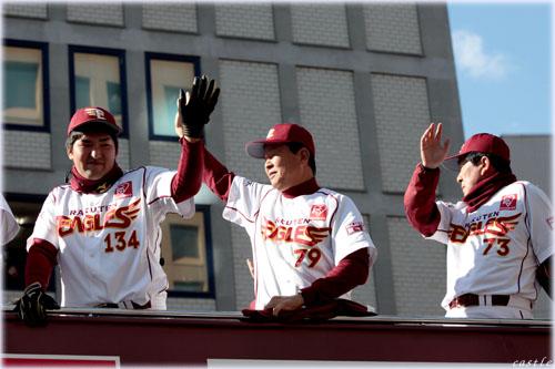 木村投手、大石2軍コーチ、鈴木1軍コーチ