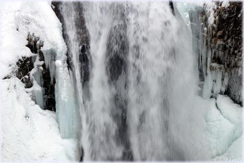冬の秋保大滝