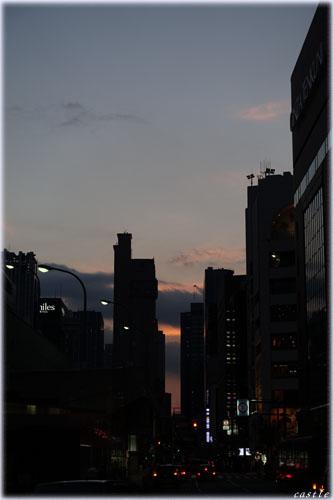 新橋の夕暮れ