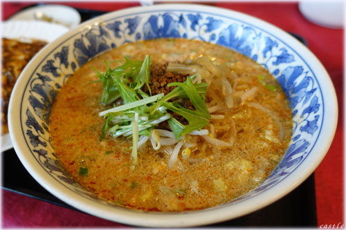 揚子江・担々麺