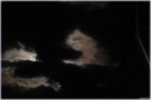 ( ゜Д゜)な雲