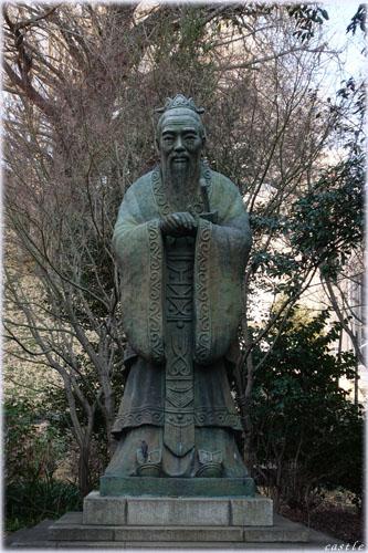 孔子像:湯島聖堂