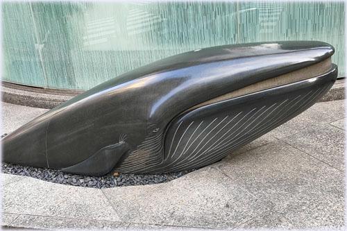 街なかに鯨