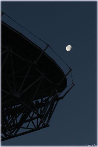 VERAと月