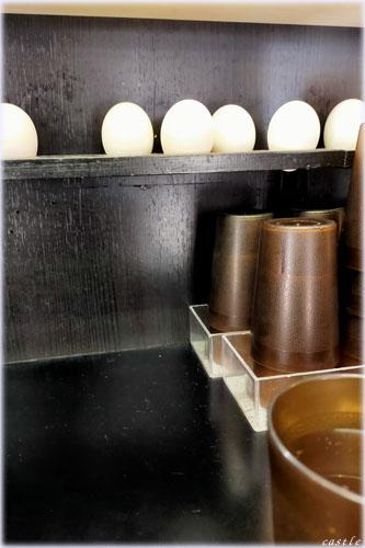 なぜ蕎麦にラー油を入れるのか。